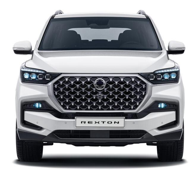 nuovo-ssangyong-rexton-front