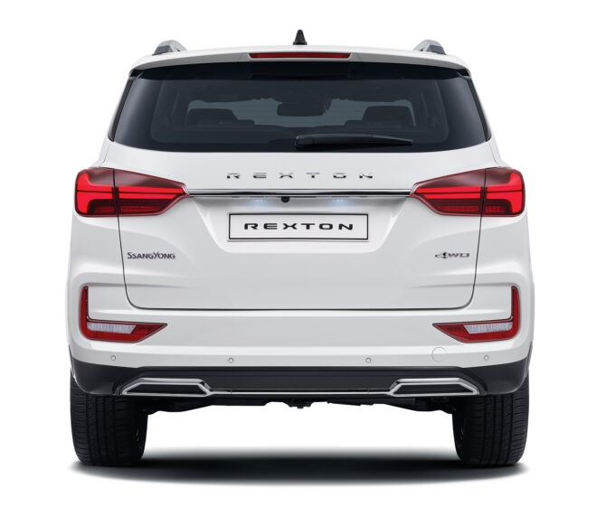 nuovo-ssangyong-rexton-back